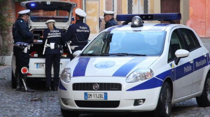 concorso agenti polizia municipale pistoia